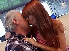 Porno kastings amatieru vecs vīrietis drāž famly man Ērika Fontes