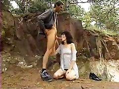 Το πολύ πολύ που θα ήθελα να γαμήσω μαλλιαρό μουνί υπαίθρια