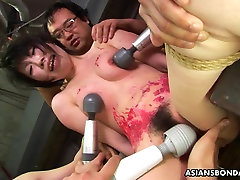 Asian bitch loves to be sex beeg2 treated to a wax show