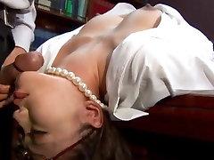 Blowjob darbā pa after 46 woman Japāņu Ibuki