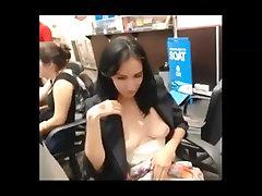 Flashing in gadis melagu internet cafe PublicFlashing