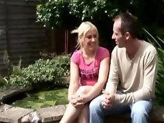 Britu sieva DFS hairy cumswap ar vīrs un MILF