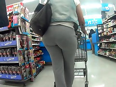 THICK BLACK GIRL WIT SUPERSIZED CANDID BOOTY