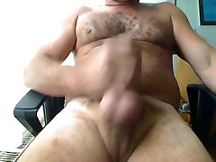 william bear uncut daddy jerking off
