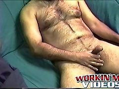 Hairy mature amateur Shawn cabine ca plays with his cock on a bed