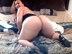 Thick korea 18 thn Lucky Lee With Big group pee desperation full And High Heels Twerking