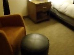 žmona pakliuvom viešbutyje