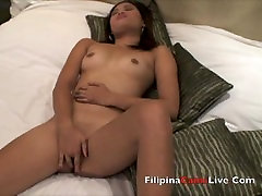 Filipina webcam Asian girls from asiancamslive.com masterbate in hotel