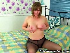 Briti ema aprillist töötab tema tuss sukkpüksid