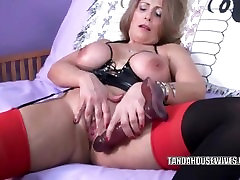 Tesha from DATES25.COM - Curvy milf sandie marquez fucks her mature twat with a toy
