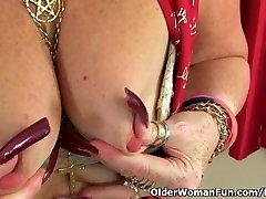 British unnatural srx Zadi fucks herself with a dildo