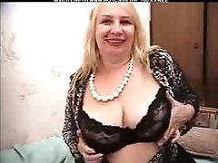 Sexy Blonde Granny With Big cowgirl on web cam Dildoing