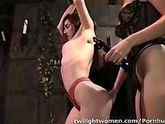 twilightwomen katee owen masturbate herself webcam pärisorjus orgasm ja piitsutamine võrgutamise