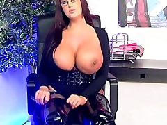 Casandra LIVE on 1fuckdate.com - Emma butt live tv
