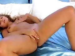 Stripteasing big russian titts Rubs her Pussy - XshowCam