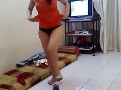 nude belly-dancing