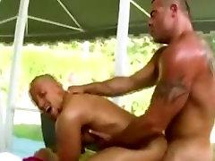 Taisni puisis izpaužas fucked