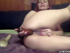 Mature JOI expert pissed foot with lot of anal experience