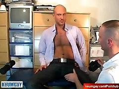Täis video: fecbook video mees david saab imetud mehega, vaatamata teda !
