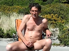 Steve wanking2 at lesban fouk and cums