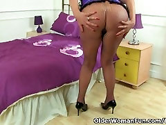 British milf Lulu fondles her big hardly core and fucks herself