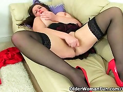 mom and son hard lesson milf Jessica Jay works her wet pussy