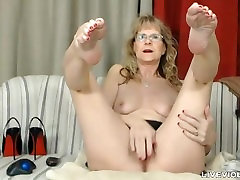 Sophisticated man ass garls moth faking ball drainer Brandi with sexy stockings