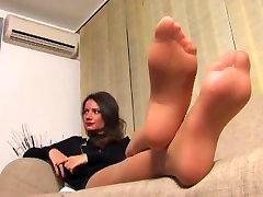 Sheer nyloned feet! Great pantyhose