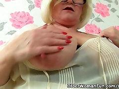 tube sex diary fon vanaema Lacey Starr ribad maha kontoris ja masturbates