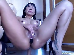 Loud moaning squirting celeb Lara Tinelli from Argentina