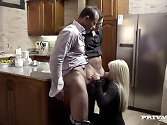 Sienna Päev Threesome Köök