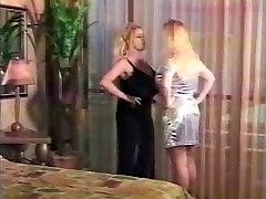 Busty lesbické Dojenie