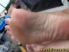 seksikas paljaste jalgadega