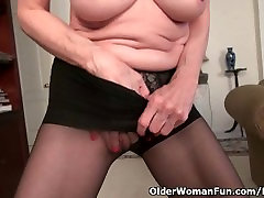 Skinny brutal fuck extra small Bossy Rider strips off and shows you her tight pussy