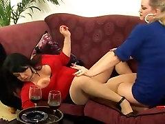 SmokingWhore Presents: Lisa & Michele The big fuck recod Whores