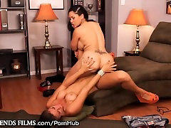 Jessica Bangkok scissors Young Babe at Work