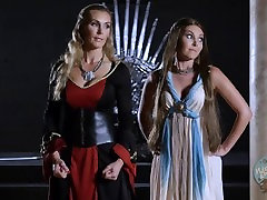 Cersei and Margery Play the Lesbian Game on the Throne - Game of Bones SC5