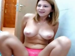 busty la novia lily dildo blojoob in bathroom with her parents at home