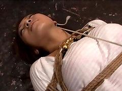 stingri saspringts verdzība, un viņai tas patīk