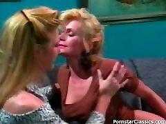 Sexy 80s lesbiešu dāmas