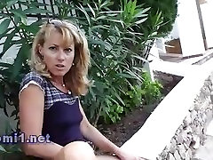 public pissing by naomi1