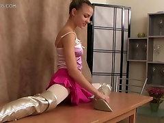 flexible girl Valentina Vladimirova 12-HD.wmv