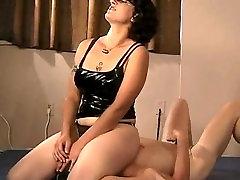 Mistress Shahrazad - femdom facesitting smothering