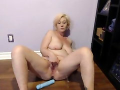 Sexy Slampa Squirting Orgasms