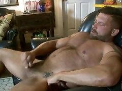 Muscle & Fur Danny Crockett