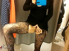 Amateur girl filming herself masturbates in the sunny sex porn girls fitting room
