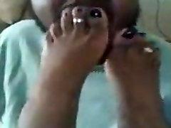 Laizīt manu melno pirkstiem!