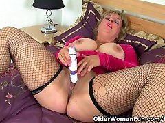 Busty sauth american sex Danielle fucks herself with a dildo