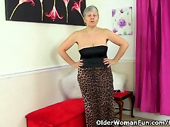 British granny Savana is showing off her fuckable body
