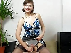handjob fail! is it the first time mature lady kirsty blue does a handjob?!
